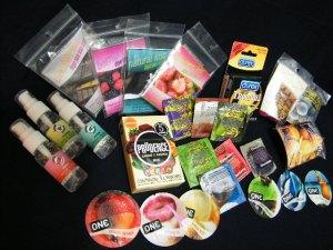 Condones con sabor para sexo oral, lubricantes con sabor, diques dentales de plastico polietileno para sexo oral, y talcos comestibles, en supercondon.com.mx